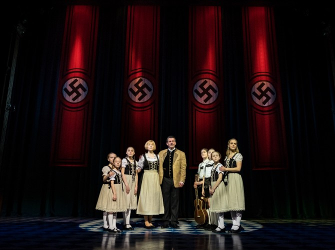 The Sound of Music UK Tour - Gray O'Brien as Captain Von Trapp and Lucy O'Byrne as Maria - credit Mark Yeoman (2)
