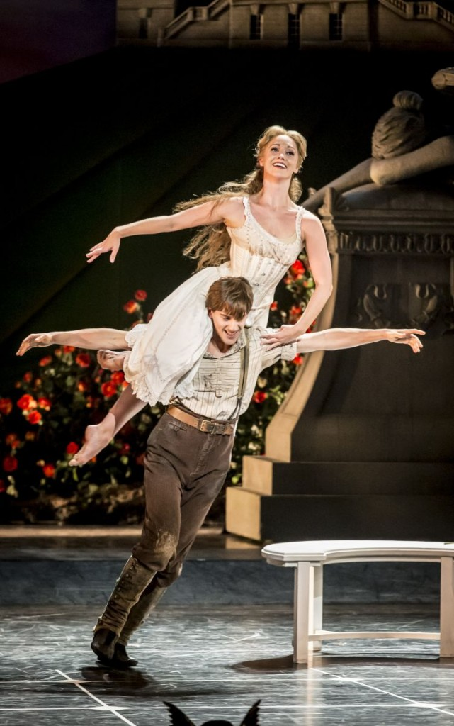 Matthew Bourne's SLEEPING BEAUTY_ Dominic North (Leo) and Ashley Shaw (Aurora) 2_ Photo by Johan Persson
