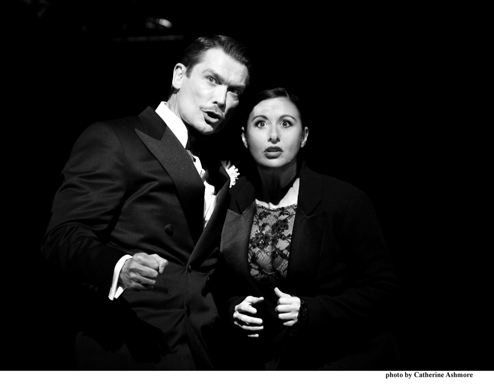 chicago-john-partridge-as-billy-flynn-and-hayley-tamaddon-as-roxie-hart-photo-by-catherine-ashmore