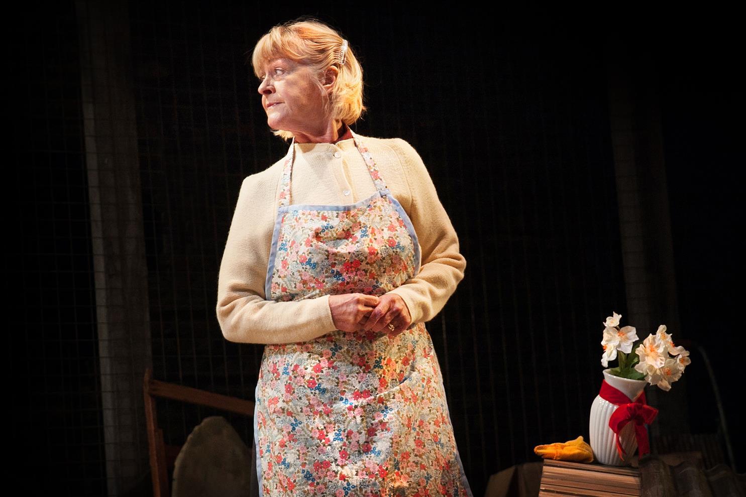 Carole Dance as Doris - My Mother Said - London Classic Theatre